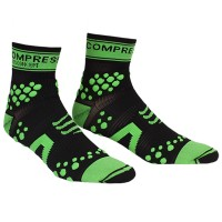 COMPRESSPORT V2 PRO RACING SOCKS TRAIL HI - BLACK/GREEN