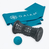 GAIAM TREAT YOUR FEET KIT- STRENGTH + HOT/COLD THERAPY ROLLER